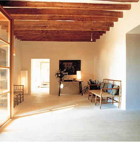 Decora la finca de tu casa con artesonado for Decoracion casas rusticas